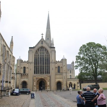 TRAVEL WITH MY CAMERA -A VIDEO -Norwich Cathedral